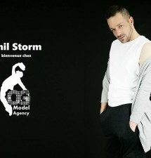 Modèle international: Phil Storm a la fashion week paris