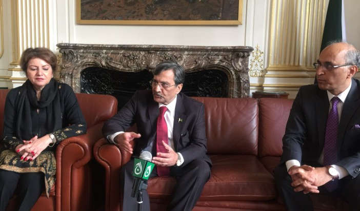 Pak Commerce Minister invites French Entrepreneurs and businessmen to invest in Pakistan