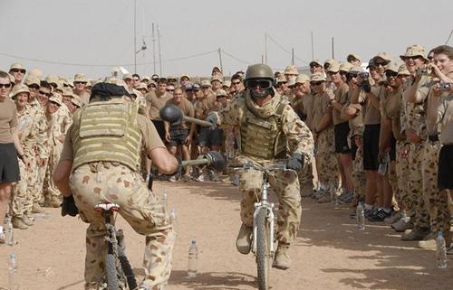 Funny Army 09