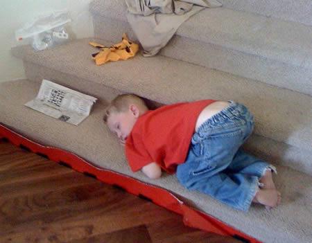 Funny Sleeping Positions 18