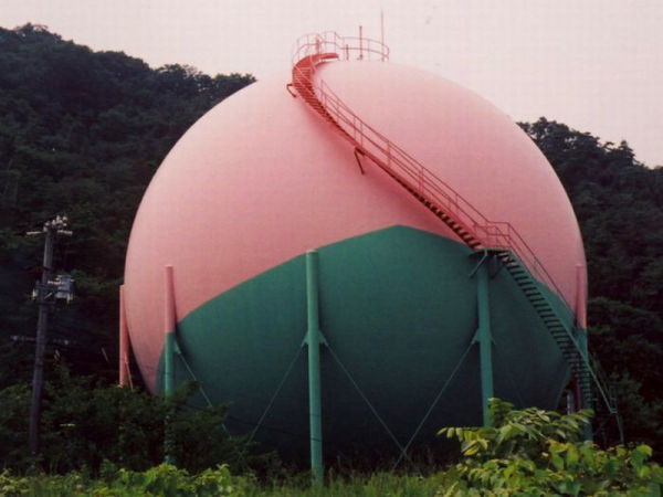 Gas Tanks 02