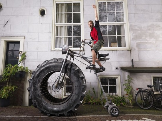 The heaviest rideable bicycle weighs 750 kg